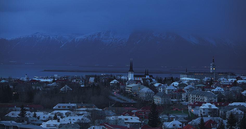 Polisstudenterna Nils och Edvard gjorde sina första nattpass som poliser i Reykjavik. Foto: Magnus Laupa