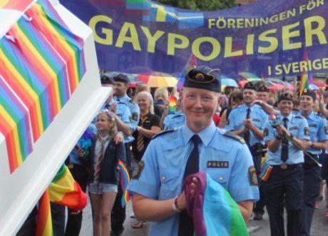 Pride2016 manbun (1024x823)