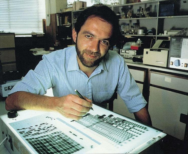 Alec Jeffreys i labbet vid Leicesters universitet.